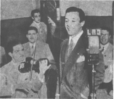 Roberto Rufino en Radio Belgrano con la orquesta de Atilio Bruni en 1944